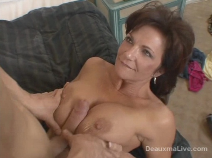 MILF fucking her sons best friend - Porn Video 082 Tube8
