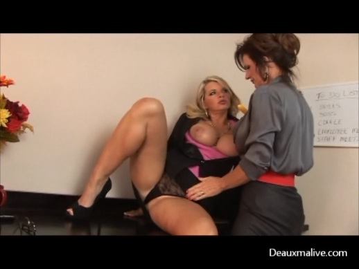 MILFS Deauxma & Vicky  Play Slutty Lawyers at Work