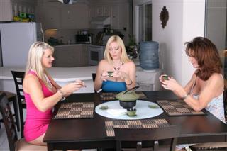 Tea and Titties with Deauxma, Vicky Vette & Charlee Chase