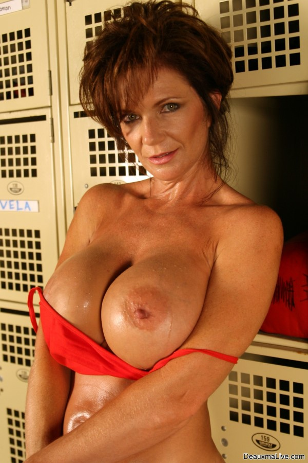 Very pity Busty nude locker room apologise, but