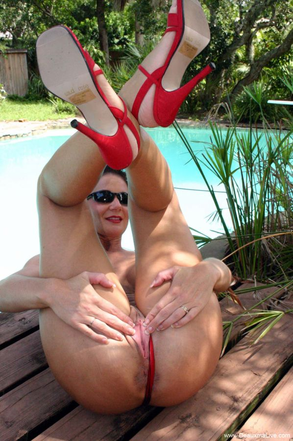 Hot milf and her younger lover 323