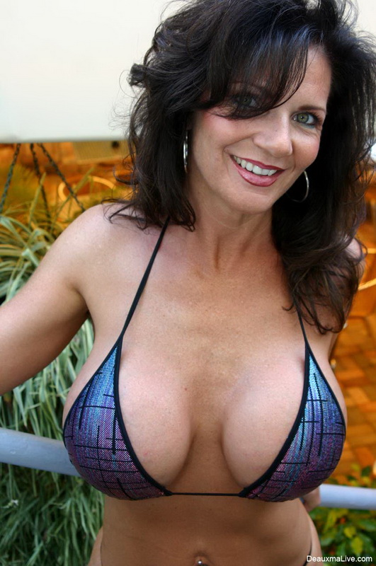deauxma weekly live shows on deauxmalive