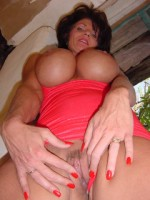 Busty Swinger Deauxma is a Big Breasted Babe from Texas!  from deauxma live